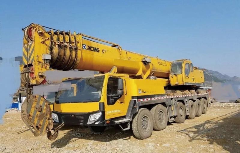130吨汽车吊六节臂