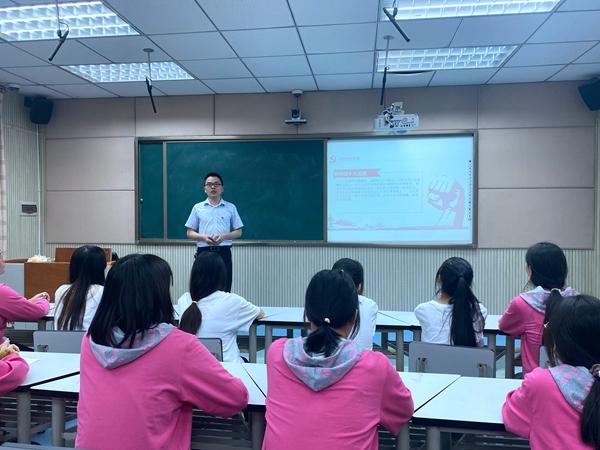 达县职高文化艺术党支部为青年学生干